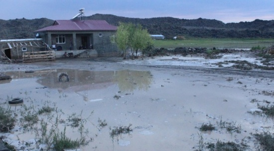 Sağanak yağış Ağrı'yı vurdu! Köyü sel bastı