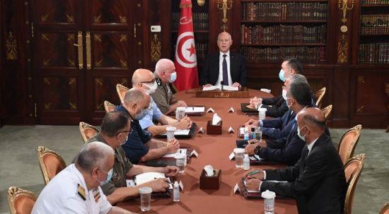 Tunus'ta darbe girişimi! Başbakan'ı görevden aldı