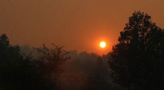 Yangın güneşi kızıla çevirdi