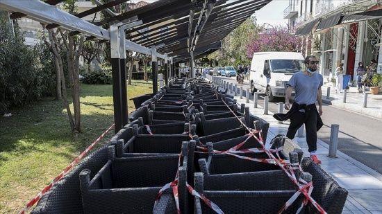 Yunanistan'da vakalar 10 kat artınca sert tedbirler geri döndü