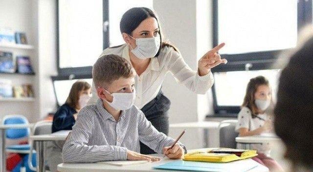 """Bilim Kurulu üyesinden yüz yüze eğitim için çağrı: """"Aşı olun"""""""