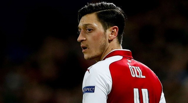 Mesut Özil'den Arsenal paylaşımı: Sürece güvenin