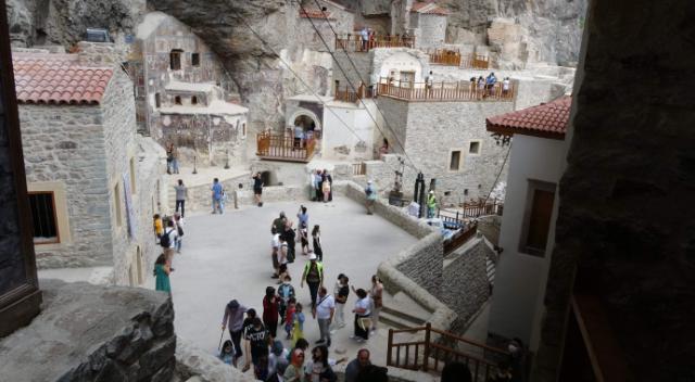 Trabzon Valisi Ustaoğlu: 'Sümela'yı bir buçuk ayda 80 bin kişi ziyaret etti'