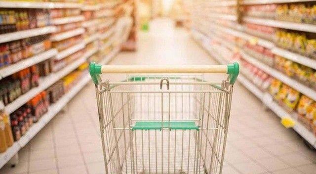 Tüketici, indirimli ürünlerin peşinde