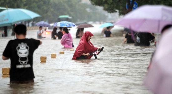 Çin'deki selde ölü sayısı 302'ye yükseldi