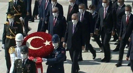 Cumhurbaşkanı Erdoğan ve devlet erkanından Anıtkabir ziyareti