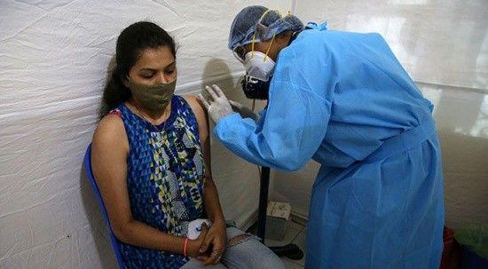 Hindistan'da yerli üretim aşısına acil kullanım izni!