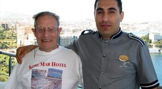 İngiliz turist mirasını kaldığı oteldeki belboya bıraktı