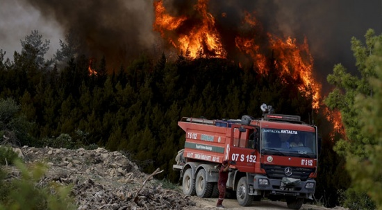 Orman yangınıyla savaşta başarılı bir sınav veriliyor