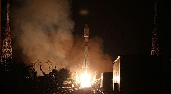 Rusya OneWeb'e ait 34 uyduyu uzaya fırlattı