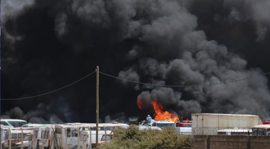 Yediemin otoparkında yangın: Araçlar tek tek patladı