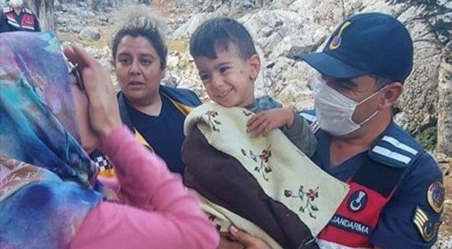 2,5 yaşındaki çocuk kayboldu,  jandarma ekipleri buldu