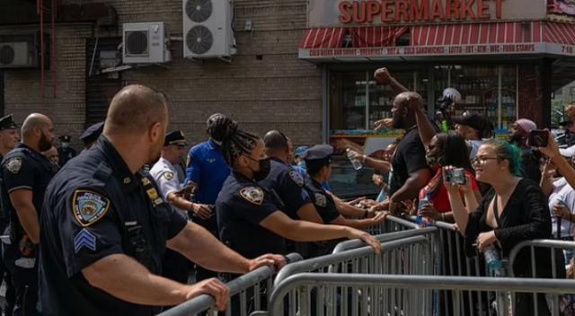 ABD'de dehşet! Göstericiler polisleri canlı canlı yakacaktı