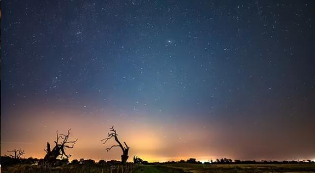 Akıllı telefonundan Samanyolu Galaksisi'nin fotoğrafını çekti