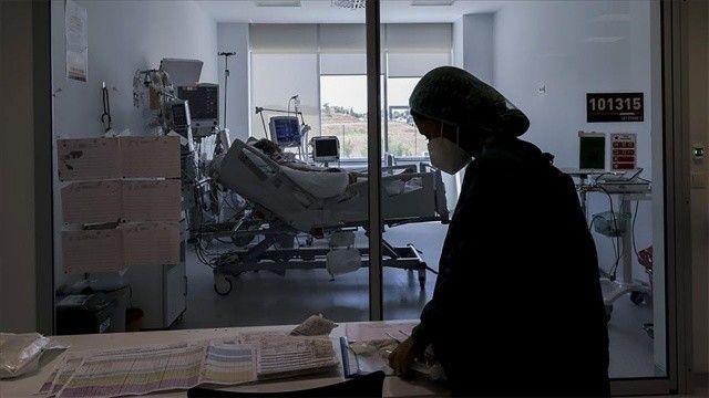 Aşısızların hastalanma riski 4,5, ölüm riski 11 kat daha fazla