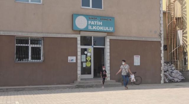 Ayancık'ta yüz yüze eğitim 20 Eylül'e ertelendi