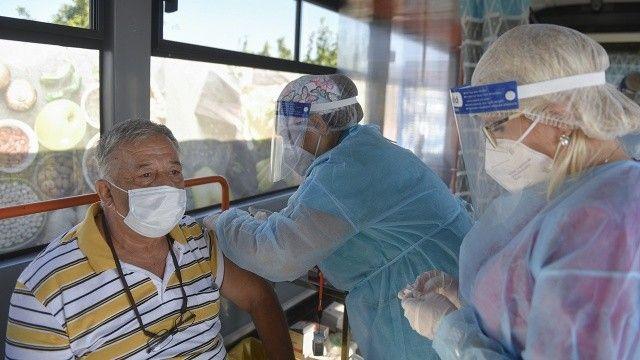 """Bakan Koca duyurdu: Balıkesir iki doz aşıda """"mavi"""" iller arasına girdi"""
