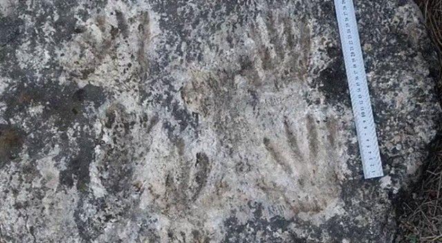 Bilim adamlarından tarihi keşif! Dünyanın en eski sanat eseri bulundu