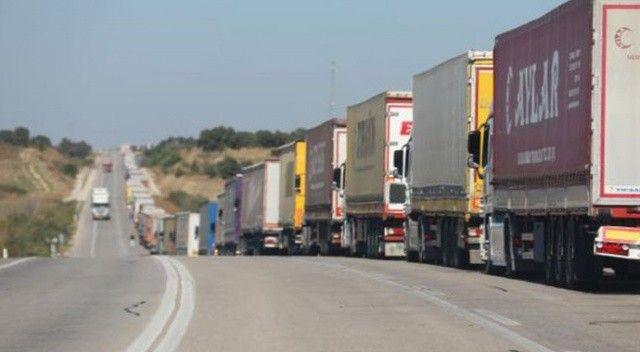 Bulgaristan sınırında 20 kilometrelik TIR kuyruğu oluştu