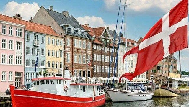 Danimarka'da tüm koronavirüs tedbirleri kaldırılıyor