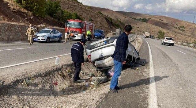 Direksiyon hakimiyetini kaybeden otomobil takla attı