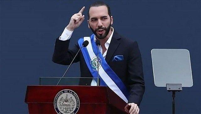 El Salvador Devlet Başkanı Bukele kendini en havalı diktatör ilan etti