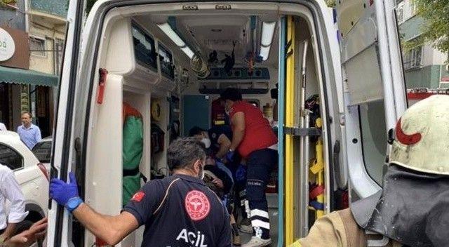 Fatih'te çıkan yangında mahsur kalan yaşlı kadın itfaiye ekiplerinin çabasıyla kurtuldu