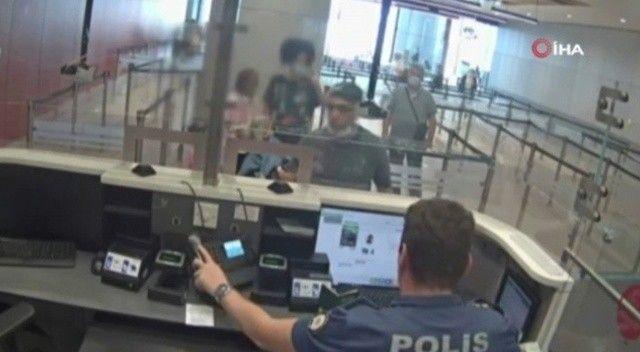 Firari FETÖ'cü Türkiye'ye girerken havaalanında yakalandı