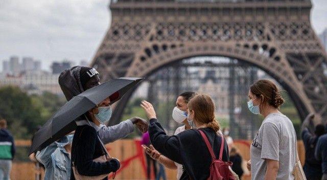 Fransa'da son 24 saatte 13 bin 466 Kovid-19 vakası kaydedildi