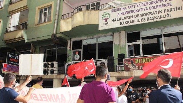Hakkari HDP İl Başkanlığı önünde evlat eylemi