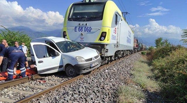 Hemzemin geçitte tren kazası! 2 kişi yaralandı