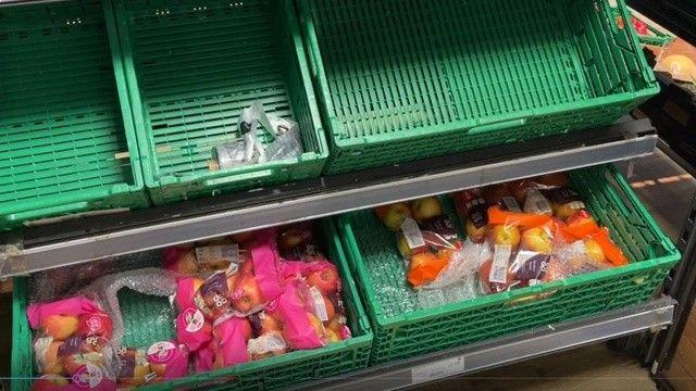 İngiltere'de tedarik krizi: Market rafları boş kaldı