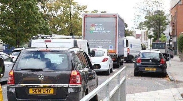 İngiltere'de yakıt krizi! Hazır durumda bekleyecekler