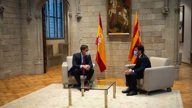 """İspanya ve Katalanlar """"ayrılık"""" için masada"""