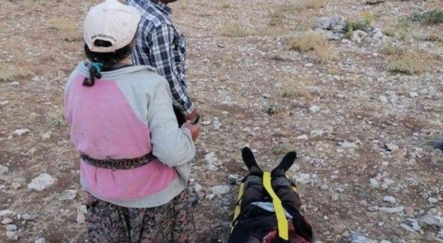 Karaman'da kayalıklardan düşen çoban ambulans helikopterle kurtarıldı