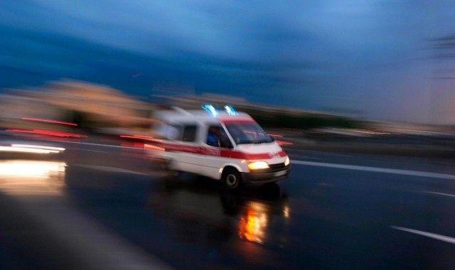 Kırşehir'de araba şarampole devrildi, ölü ve yaralılar var