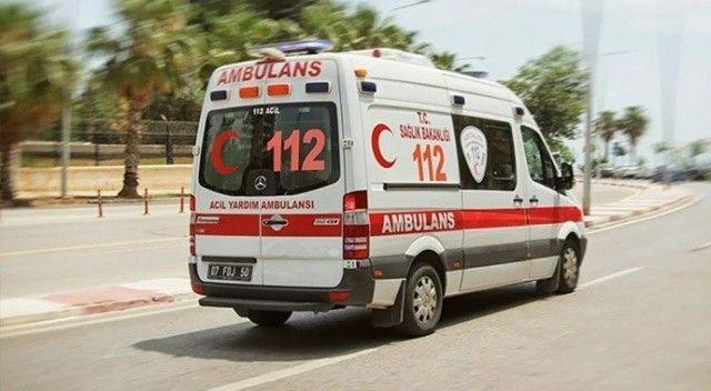 Malatya'da otomobil bariyerlere çarptı: Yaralılar var