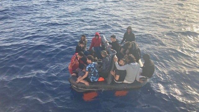Marmaris'te ölüme itilen 48 göçmen kurtarıldı