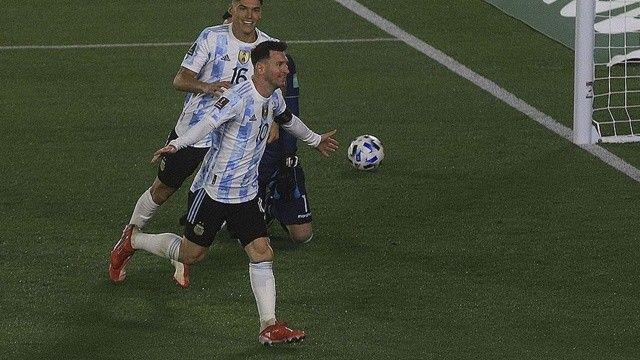 Messi Pele'nin rekorunu kırdı!