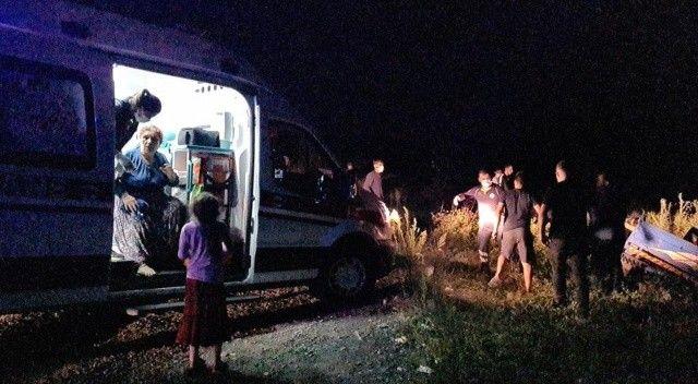 Minibüs patpata çarptı: Yaralılar var