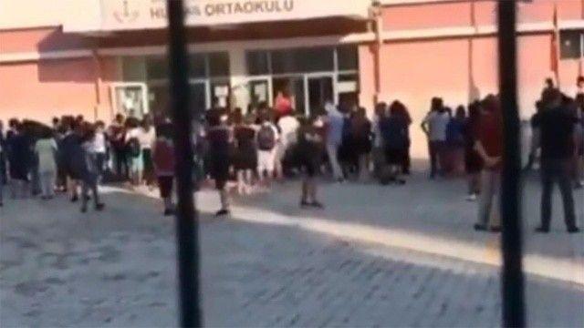 Öğrencilerini tehdit eden müdür yardımcısı açığa alındı
