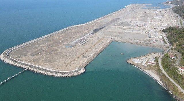 Rize-Artvin Havalimanı'nda hedef yıl sonunda ilk uçağı indirmek