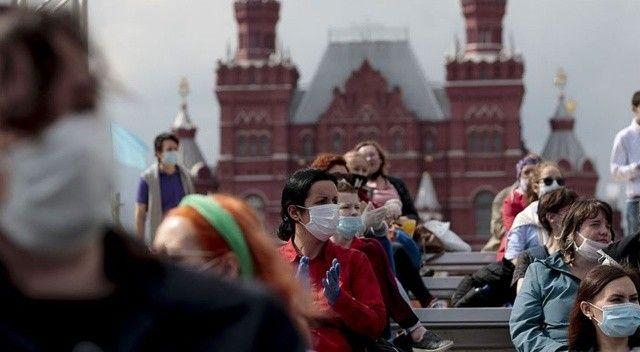 Rusya'da salgında yeni rekor: Son 24 saatte 852 ölüm
