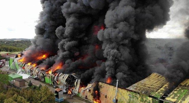 Şile'de yangın: Fabrika küle döndü