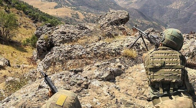 Suriye'nin kuzeyinde 10 PKK/YPG'li terörist etkisiz hâle getirildi