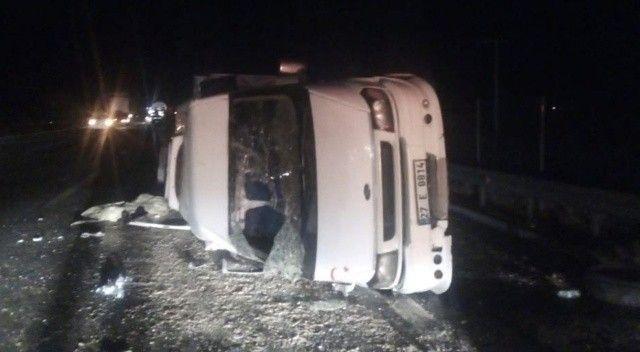 Tarım işçilerini taşıyan minibüs devrildi: Yaralılar var