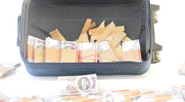 Teröristlere Kuzey Kore parası taşıyan 5 kişi yakalandı