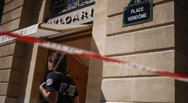 Ünlü kuyumcu mağazasından 10 milyon euroluk mücevher çalındı