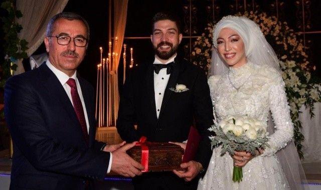 Yeni evli çifti balayı dönüşü yaptıkları kaza ayırdı
