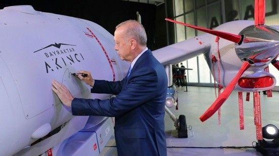 Akıncı TİHA'ya Erdoğan imzası